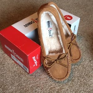 Minnetonka women's slippers